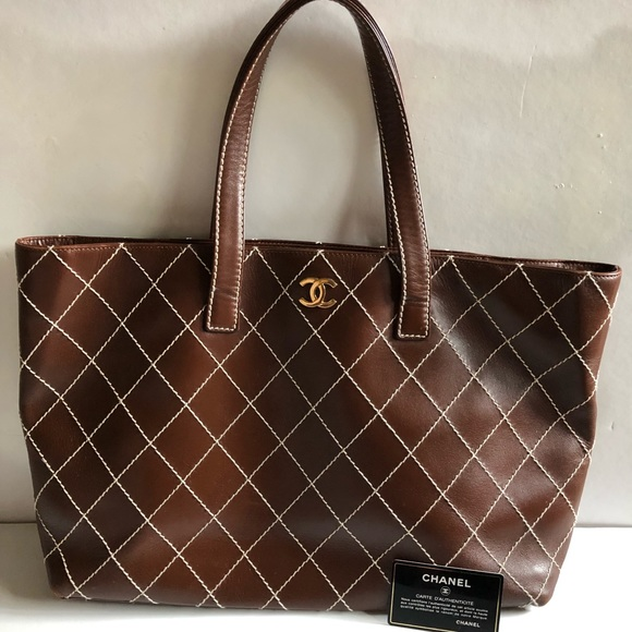CHANEL Handbags - Authentic vintage CHANEL brown leather purse